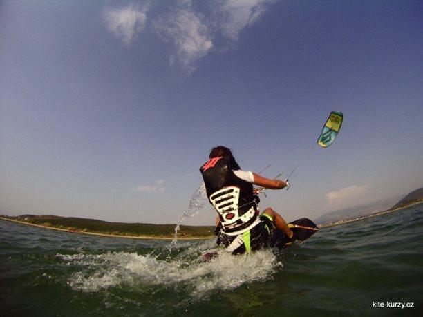 kiteboarding-kite-kurzy-harakiri-lefkada-lefkaz-07.JPG
