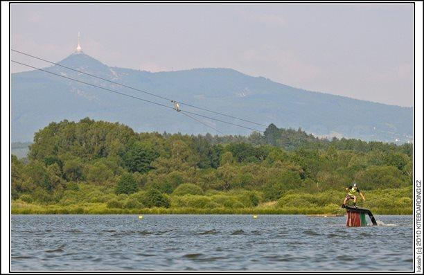 wake_vlek_straz_pod_ralskem_kite_kiteboarding_snowkiting_landkiting_nobile_naish_flysurfer_18.jpg