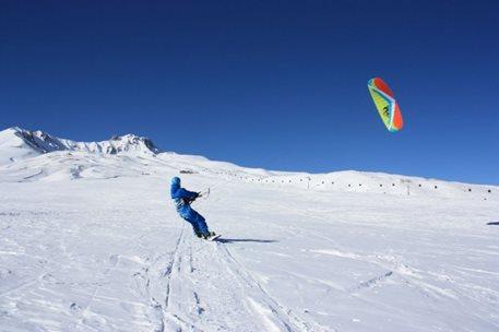 snowkiting-erciyes-kite-peter-lynn-leopard-foto-001.jpg