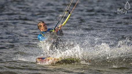 Kitesurfing - Kitesurfing - 12 - 09 - 2017 Nechranice-