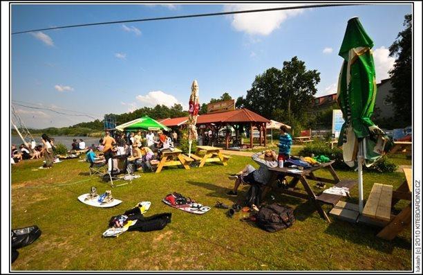 wake_vlek_straz_pod_ralskem_kite_kiteboarding_snowkiting_landkiting_nobile_naish_flysurfer_01.jpg