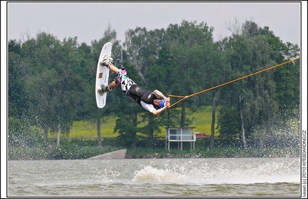 wake_vlek_straz_pod_ralskem_kite_kiteboarding_snowkiting_landkiting_nobile_naish_flysurfer_32.jpg