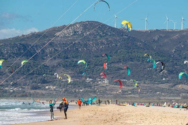 Kitesurfing-Spanelska-Tarifa (2)-Hlavní pláž před Tarifou