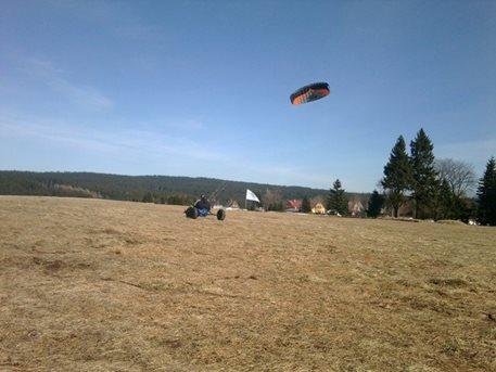 landkiting-kitebuggy-abertamy-tahosh-03.jpg