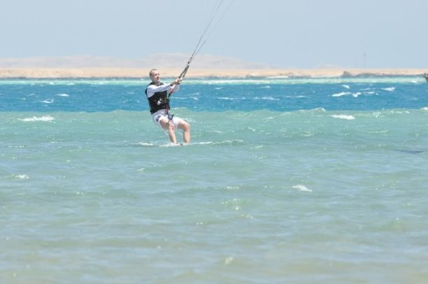 HARAKIRI kite kurzy Hurgada Egypt tahosh flysurfer 63.JPG