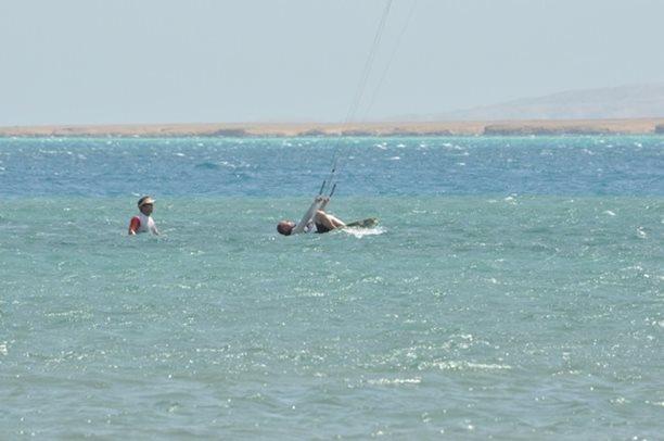 HARAKIRI kite kurzy Hurgada Egypt tahosh flysurfer 37.JPG