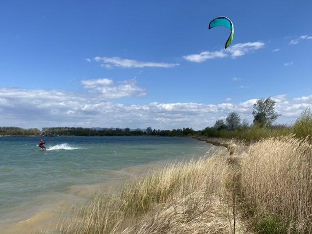 Kitesurfing-Bomby-na-Morave-