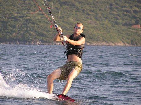 08-harakiri-kiteboarding-lefkada-kurz-131.JPG