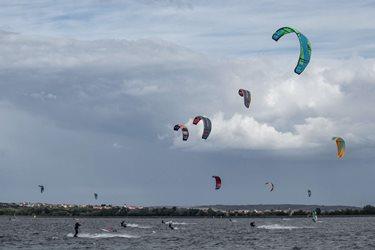 Kitesurfing - Neděla na Mlýnech