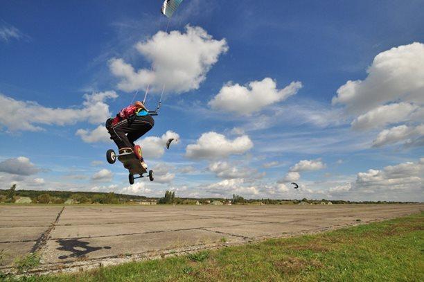 lukash_tomex_kiteboarding_snowkiting_landkiting_naish_flysurfer_nobile_DSC_4566.jpg