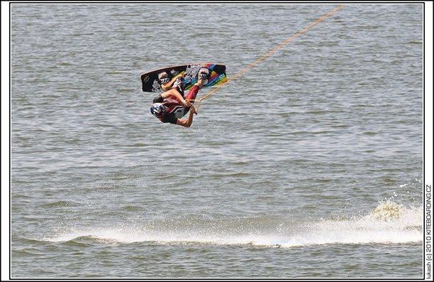 wake_vlek_straz_pod_ralskem_kite_kiteboarding_snowkiting_landkiting_nobile_naish_flysurfer_30.jpg