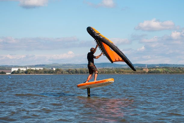 Wing-boarding-Naish-Hover-Inflatable-