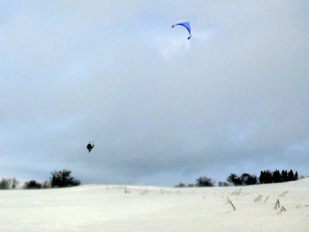 snowkiting-adolfov-peter-lynn-charger-flysurfer-speed21.JPG