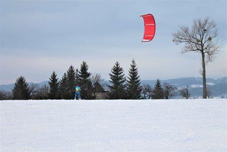 Snowkiting-Zlinske-kopecky-