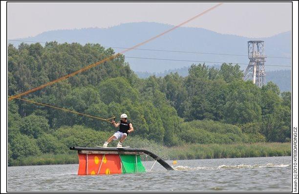 wake_vlek_straz_pod_ralskem_kite_kiteboarding_snowkiting_landkiting_nobile_naish_flysurfer_17.jpg