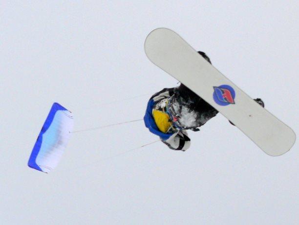 snowkiting-adolfov-peter-lynn-charger-flysurfer-speed12.JPG