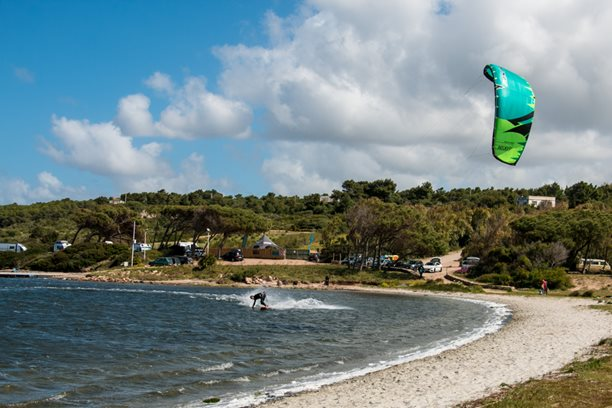 Kitesurfing-Naish-Triad-vs-Boxer-