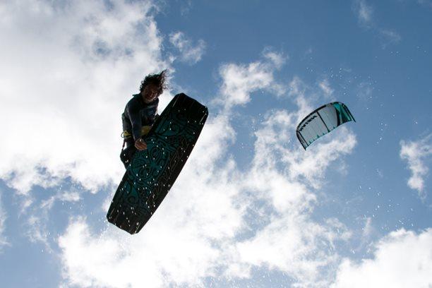 Kitesurfing-Sardinie-–-Punta-Trettu-