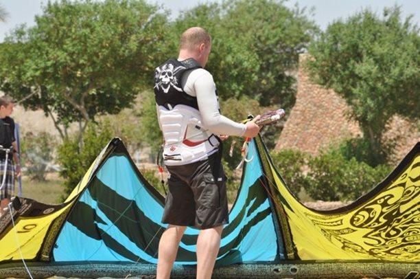 HARAKIRI kite kurzy Hurgada Egypt tahosh flysurfer 61.JPG