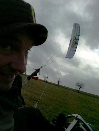 flysurfer_speed_3_21m_kite_buggy_landkiting_snowkiting_kiteboarding_broda_adolfov_4.jpg